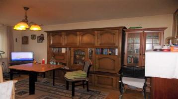 Kapitalanlage: Vermietete 2-Zi.-Whg., 4. OG, ca. 45 m² Wfl., TGL-Bad, sep. Küche