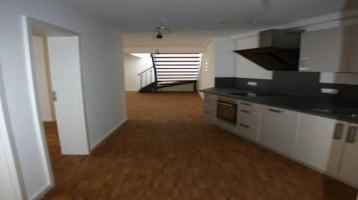 Penthouse über 2 Ebenen mit schöner Dachterrasse von Privat