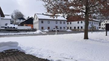 *** großes 2 Familienhaus in Velden Eberspoint incl. Bauplätze für 2 Einfamilienhäuser mit Garagen***