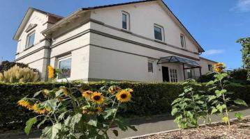 Großzügige Villa plus Gewerbe in Halstenbek