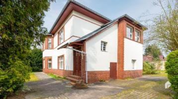 Im Sommer im neuen Zuhause: Einfamilienhaus auf zwei Wohnebenen im idyllischen Karolinenhof