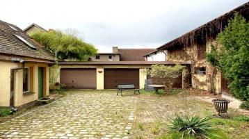 Denkmal! Wohnhaus mit 3 Garagen und großer Scheune mit ca. 300m² Wohn-/Nutzfläche in Staaken