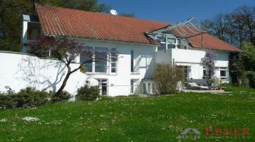 Modernes Wohnhaus in sonnenverwöhnter, ruhiger Aussichtslage in Deggendorf