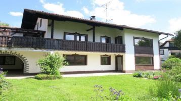 Deggendorf: 3-Familien-Haus in herrlicher Aussichtslage!