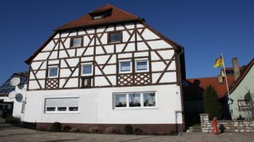 Mehrfamilien-Fachwerkhaus zentral gelegen - Nähe Brombachsee