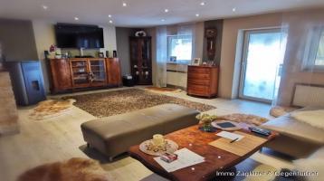 Mehrfamilienhaus in Deggendorf / Stadtteil mit 2 Garagen und 3 Stellplätzen *****