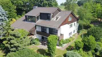 Herrschaftliches Zweifamilienhaus mit 545 m² Wohnfläche in Sinzing/Eilsbrunn! Frei ab sofort!