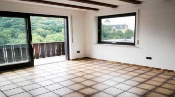 Bezugsfertiges 3-Familien-Haus in Mainberg