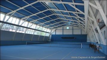 Top gepflegte Tennishalle mit Lokal und 85 m² Wohnung ca. 20 Automin. von Deggendorf *****
