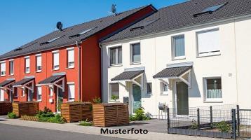 Zwangsversteigerung Haus, Bodenfeld in Gerhardshofen