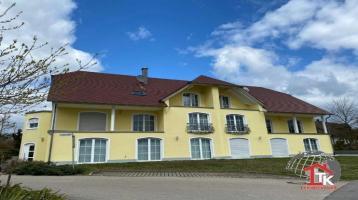 Luxuriöse Doppelhaushälfte mit Einliegerwohnung in Aurach OT Weinberg zu verkaufen