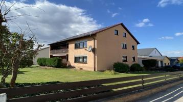Gepflegtes Zweifamilienhaus in guter Wohnlage von Pleinfeld