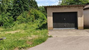 Grundstück mit Garage zu verkaufen