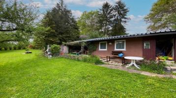 Herrliches Gartengrundstück in Wernau, Größe 1.070 m² und mit Gartenhaus und überdachter Terrasse.