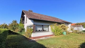 Willkommen zu Hause, geräumiges Zweifamilienhaus mit Garten und Garage in Ansbach