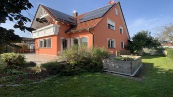 Familienfreundliches Einfamilienhaus mit großem Garten - Einziehen und Wohlfühlen!